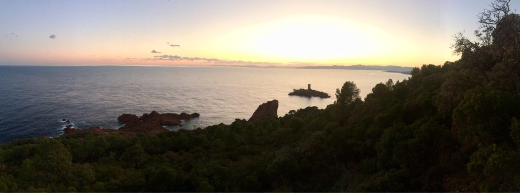 La vue sur la Méditerranée depuis le cap Dramont.